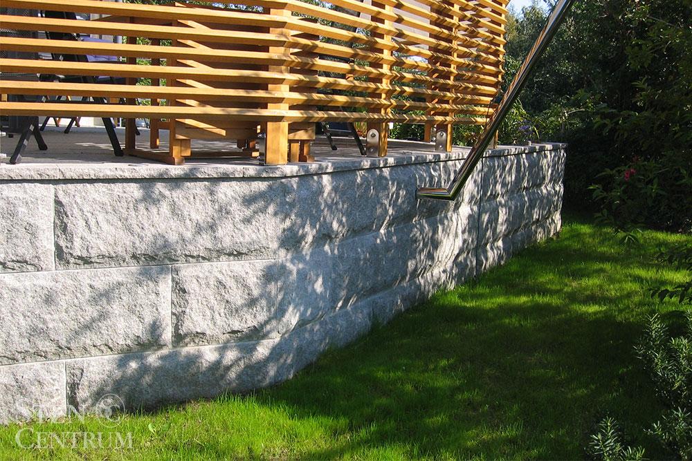 Rundhuggna granitplattor till murar och fasader