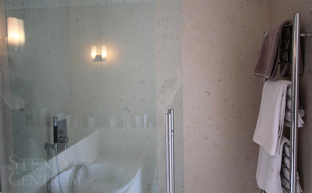 hörnhylla badrum trä