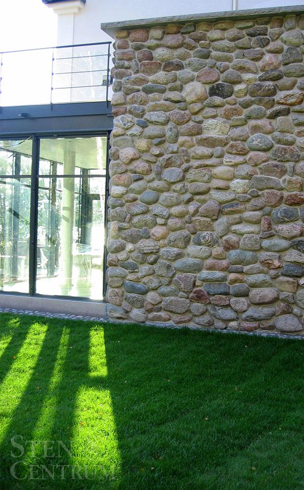 natursten i granit på fasadvägg